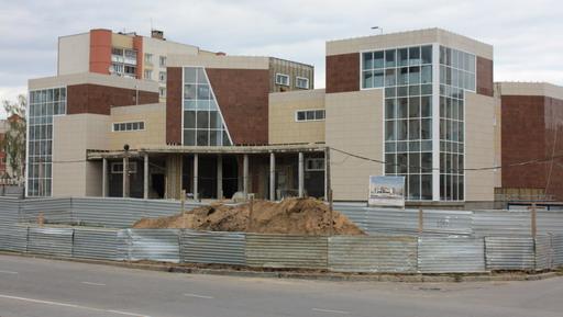 Заказчик строительства – ООО «ИНФО» зарегистрировано на территории Сарова,  а участники – нижегородцы. Строят центр местные и иногородние компании. c6bbe1b7a60